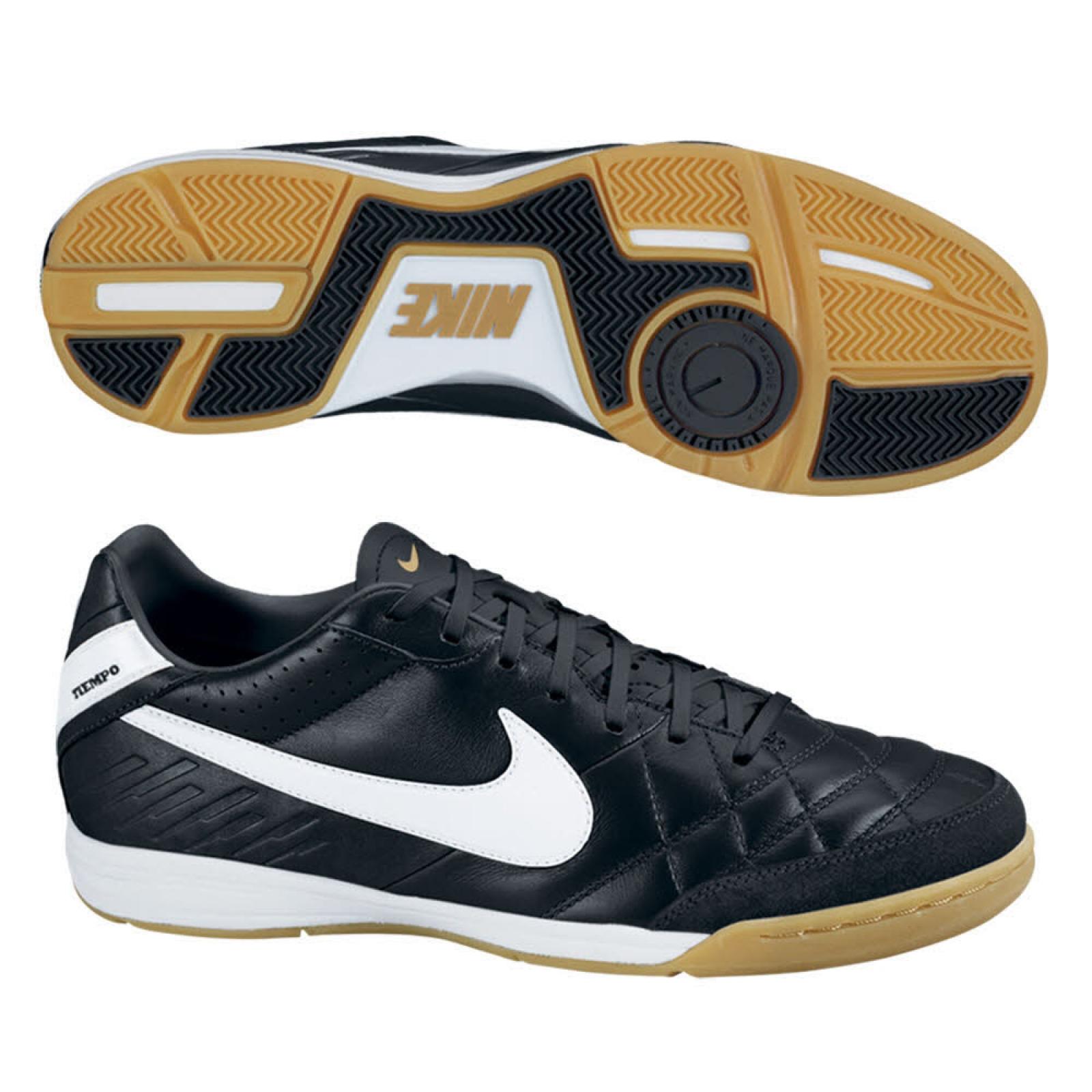 sportshop f r sportbekleidung sportartikel freizeit und. Black Bedroom Furniture Sets. Home Design Ideas